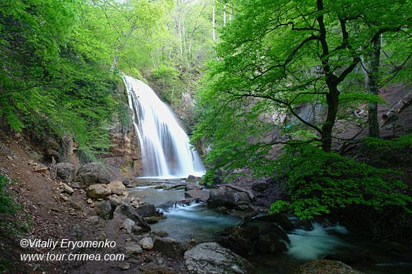 Майская поездка к водопаду Джур-Джур и храму-маяку в Малореченском – фоторепортаж.