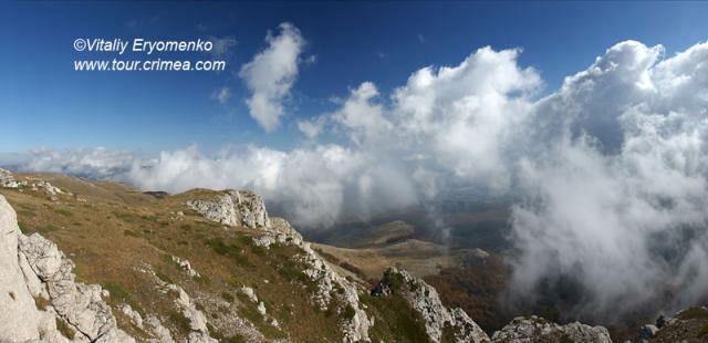Осенний танец облаков на горе Чатырдаг-фоторепортаж